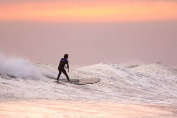 cool surfing pic
